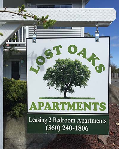 Lost oaks apartments in Oak Harbor