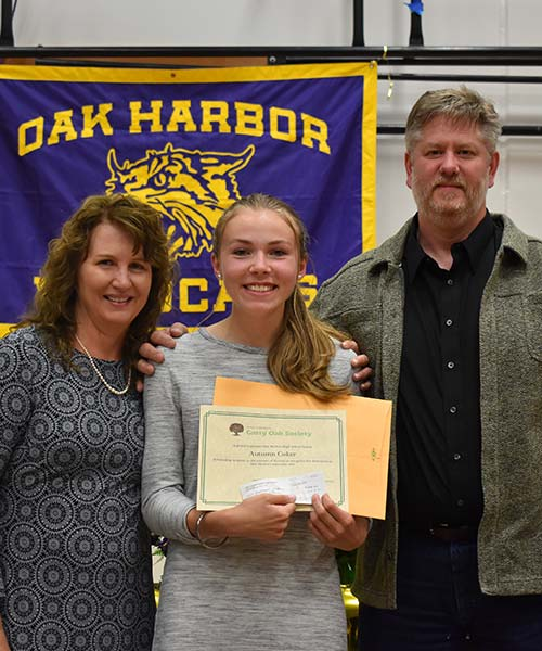 Oak Harbor Garry Oak Society Scholarship Winner - Oak Harbor High School