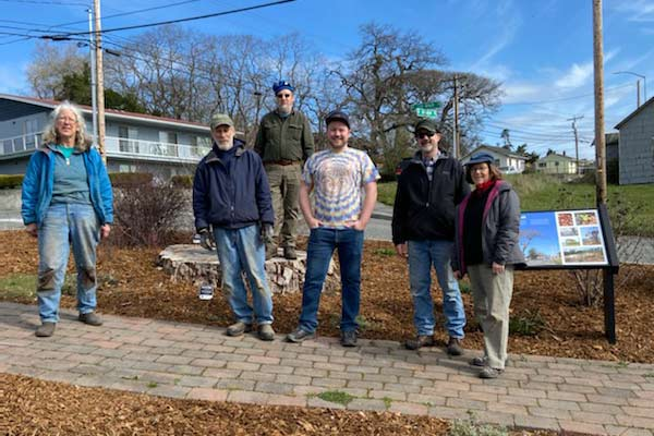 Volunteer work party at the Oak Harbor Native Plant Garden